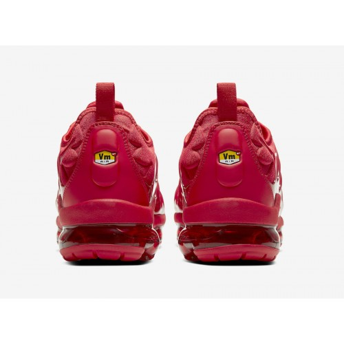 https://airmax.in.ua/image/cache/catalog/vapormax/triplered/nike-air-vapormax-plus-red-cw6973-600-release-date-5-500x500.jpg